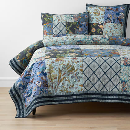 Laviana Handcrafted Quilt