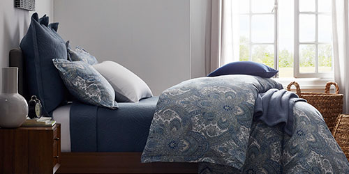 How to Coordinate Print and Solid Bedding